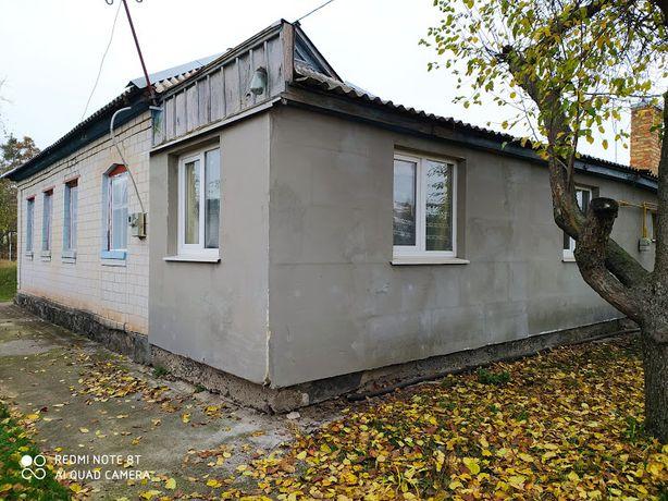 Продаж будинку в селі Мошни, в мальовничому місці, під лісом!