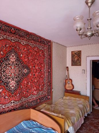 Сдам комнату в 3-х комнатной квартире, р-н Красный мост (центр)