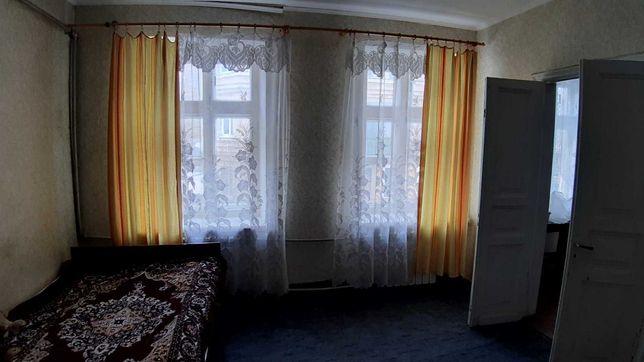 v Квартира возле Привоза в историческом районе Одессы