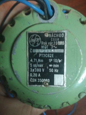 Електродвигуни 220v 380v