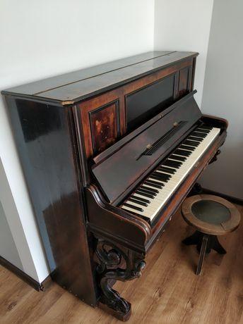 Piękne zabytkowe pianino