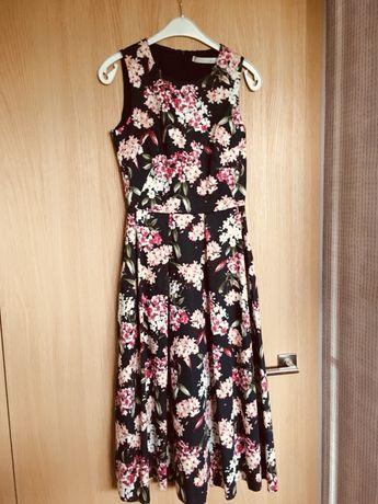 Nowa sukienka w kwiaty OUI.