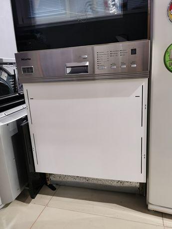 Посудомийна машина Miele