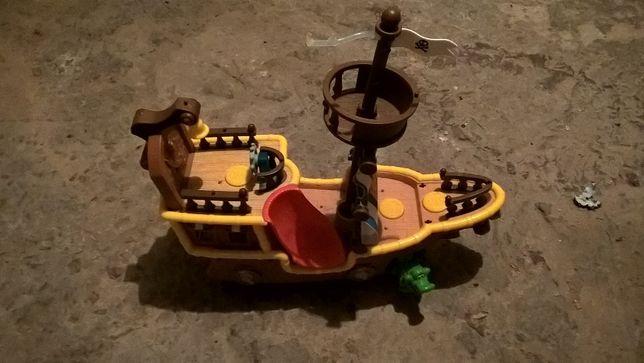 Łajbek statek Jake i piraci z Nibylandii Fisher Price