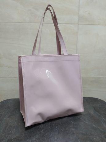 Женская лаковая сумка, нежно розового цвета