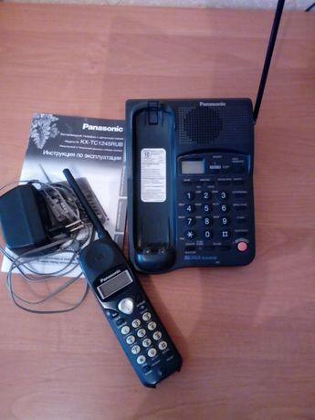 Безпровідний телефон з автовідповідачем.