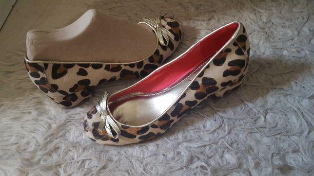 Przecena! Nowe buty pantofle balerinki Next Skóra naturalna,Włosie 37