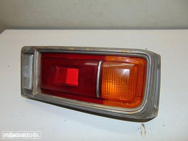 Toyota Corolla 1200 KE20 - farolim de trás