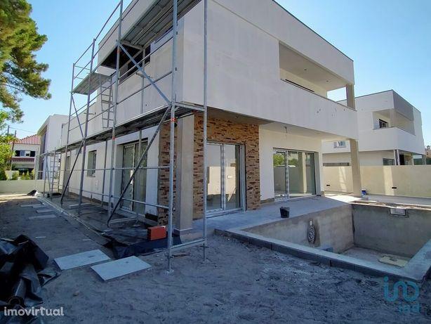 Moradia - 164 m² - T4