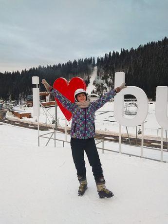 Зимняя куртка для катания на лыжах.