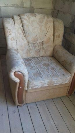 один диван два крісла