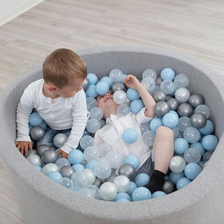 Balde quadrado/redondo com 200 bolas