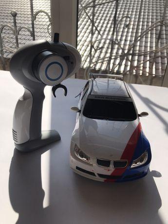 Машинка на пульте управления BMW