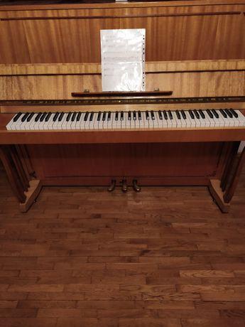 Pianino marki NUBAN