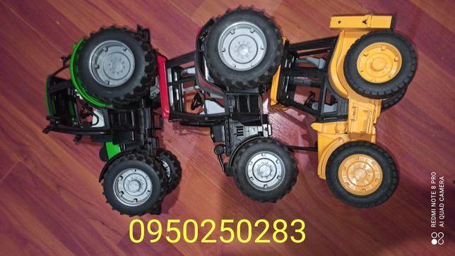 Три трактора  Bruder  одним лотом/3 машины брудер одним лотом