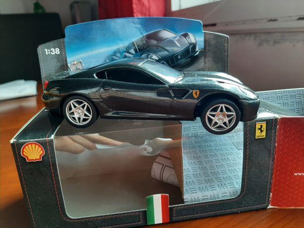 Ferrari 599 GTB Fiorano Shell V-Power na caixa original
