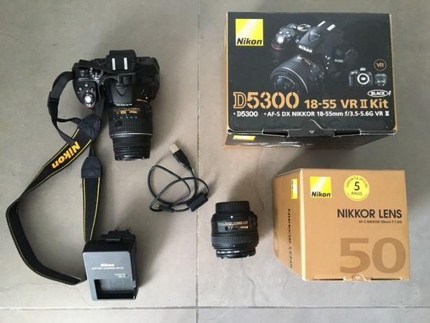 Máquina fotográfica Nikon D5300 + AF-S DX VR II 18-55mm + AF-S 50mm