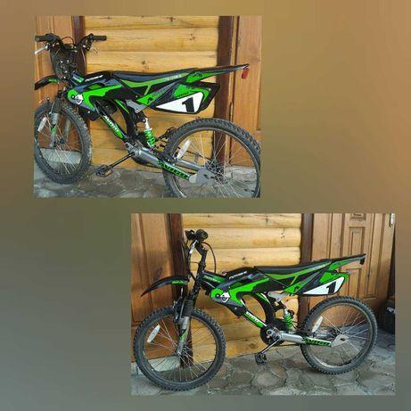 Велосипед у вигляді гоночного мотоцикла