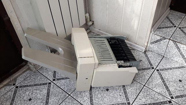 Finisher, zszywacz Xerox 4150 z tacą