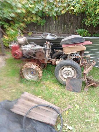 трактор для оранки
