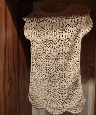 Ażurowa bluzeczka / tunika - robiona na szydełku
