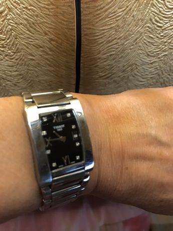 Часы  Швейцарские женские с  8 брильянтамиTissot 7500