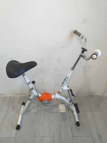 Bicicleta estática com molas para flexão de braços (Miralago)