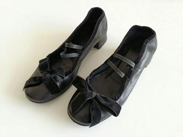 Sapatos pele pretos tiras laço veludo vintage 34