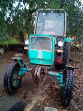 Трактор ЮМЗ 6 велика кабіна