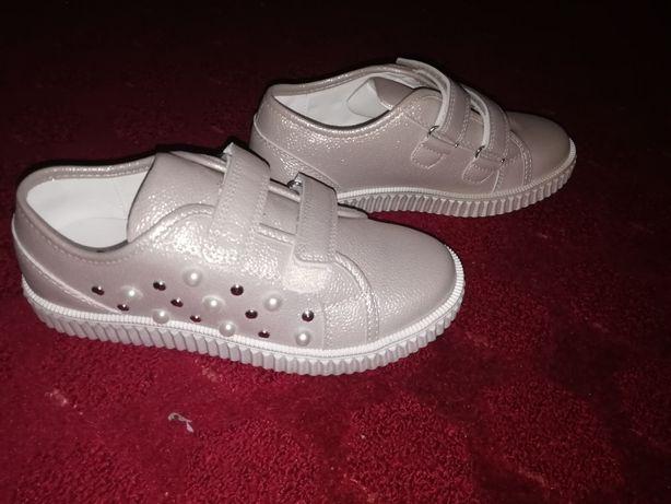 Туфли кросы на девочку