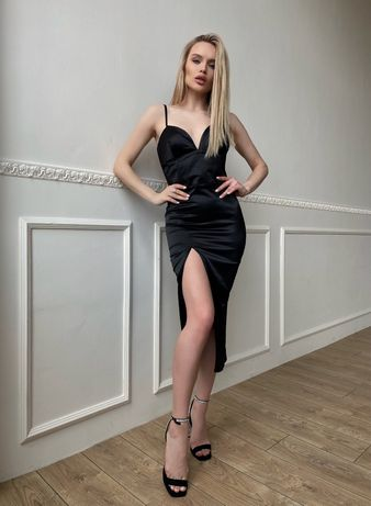 Продам чорну сукню