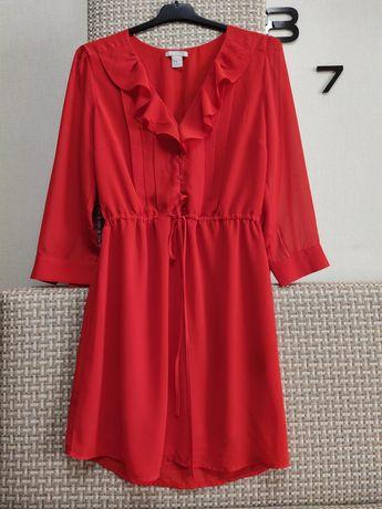 Женственное платье шифоновое с рюшами. бренд H&M