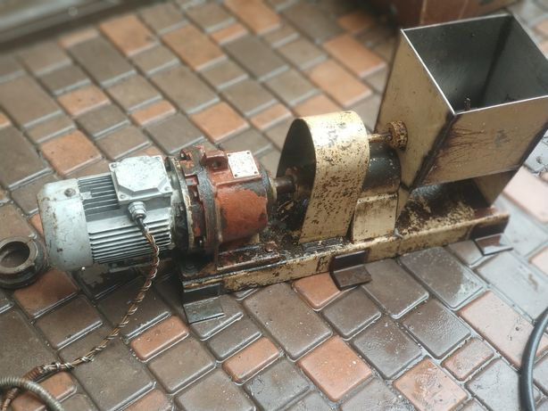 Аппарат для производства макаронных изделий