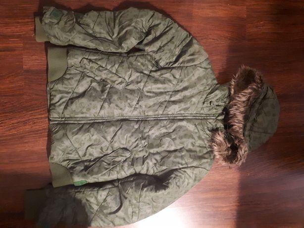 Oddam zimową kurtkę dziewczęcą 164