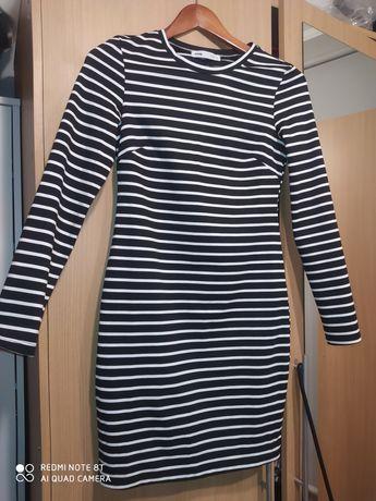 Sukienka obcisłą