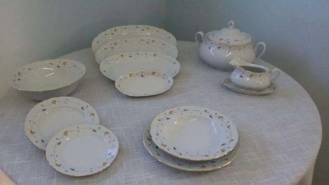 Serviço de jantar 70 peças em porcelana fina - Novo