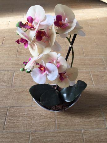 Arranjo de flores artificial