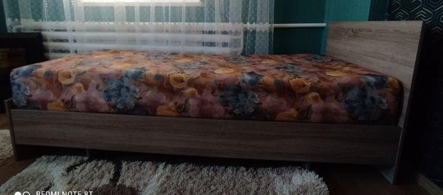 Продам односпальне ліжко з матрацом