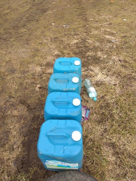 karnister kanister plastykowy na paliwo wodę beczka