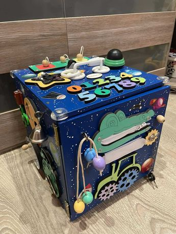 Бизикуб 30*30*30 Лучшая игрушка для Вашего ребенка
