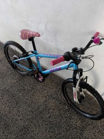 Bicicleta BERG em excelente estado de conservação como nova.