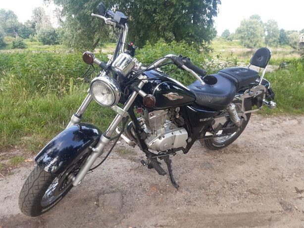 Suzuki marauder 125 pełnowymiarowy motocykl na prawko B