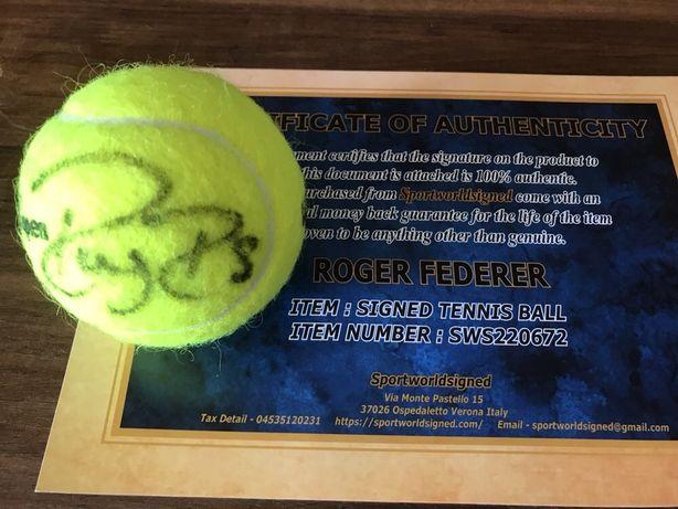 Bola ténis assinada Roger Federer