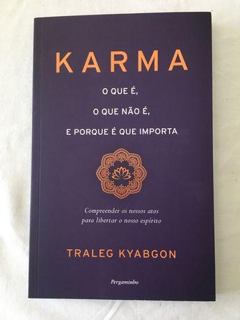 """Livro """"Karma"""""""