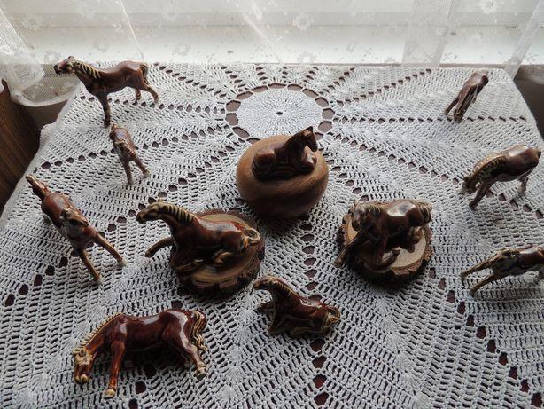 Kolekcja figurek koników są piękne 99 zł za całość ze zdjęć