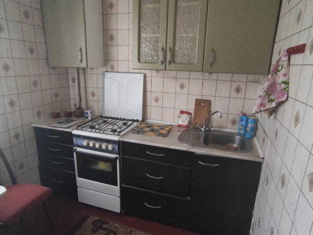 Кухня б.у. с плитой