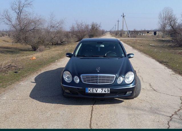 Продам Mercedes  w211