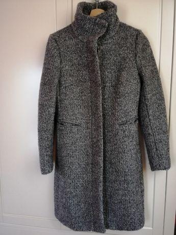 Płaszcz wełniany na zimę