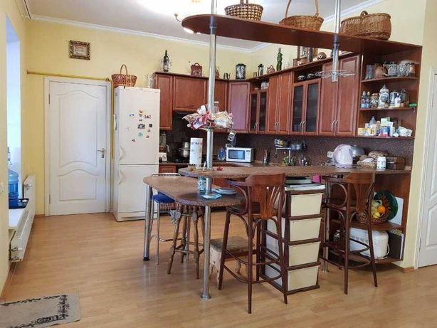 Киевское общежитие Сдам подселение в комнату Метро Академгородок Без %