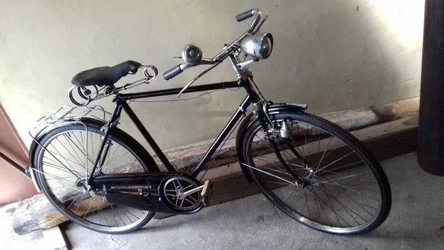 Bicicleta muito antiga.